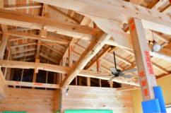 施工の様子【広い土間のある、天然乾燥材の手刻みの家】