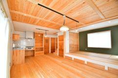 青梅市大門:ママ目線で子育てしやすい無垢の木の家