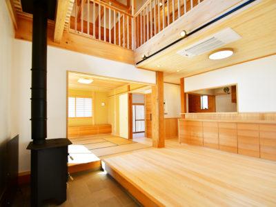 狭山市:広い土間のある、天然乾燥材の手刻みの家